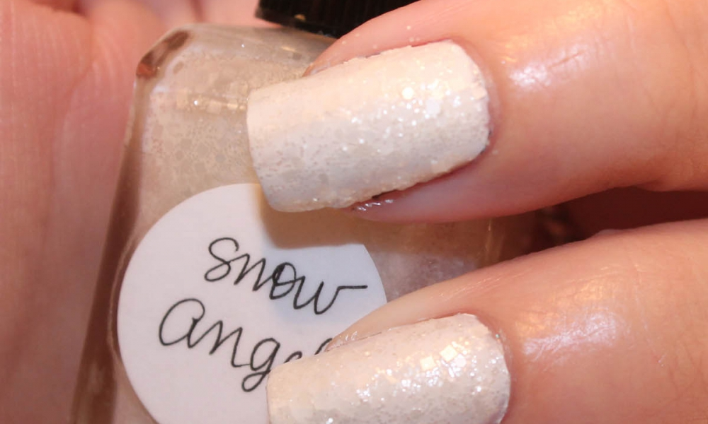 Lynnderella Snow Angel over Zoya Snow White