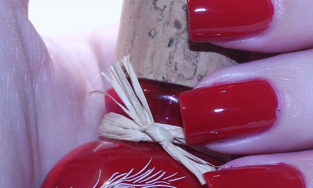 Megan Miller Collection Nail Polish – Roja Swatches and Review